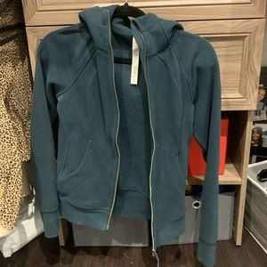 dark green lululemon jacket💚